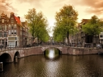 amsterdam-canal-bridge